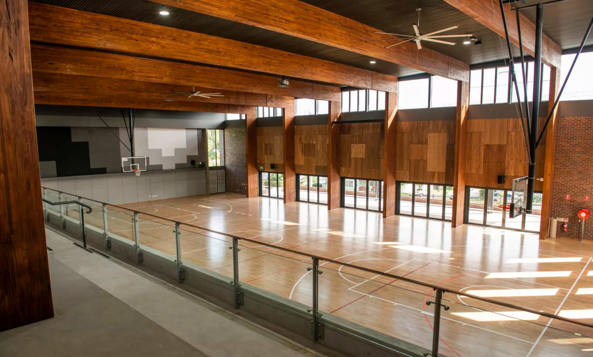Basketball court with wide Glulam beams