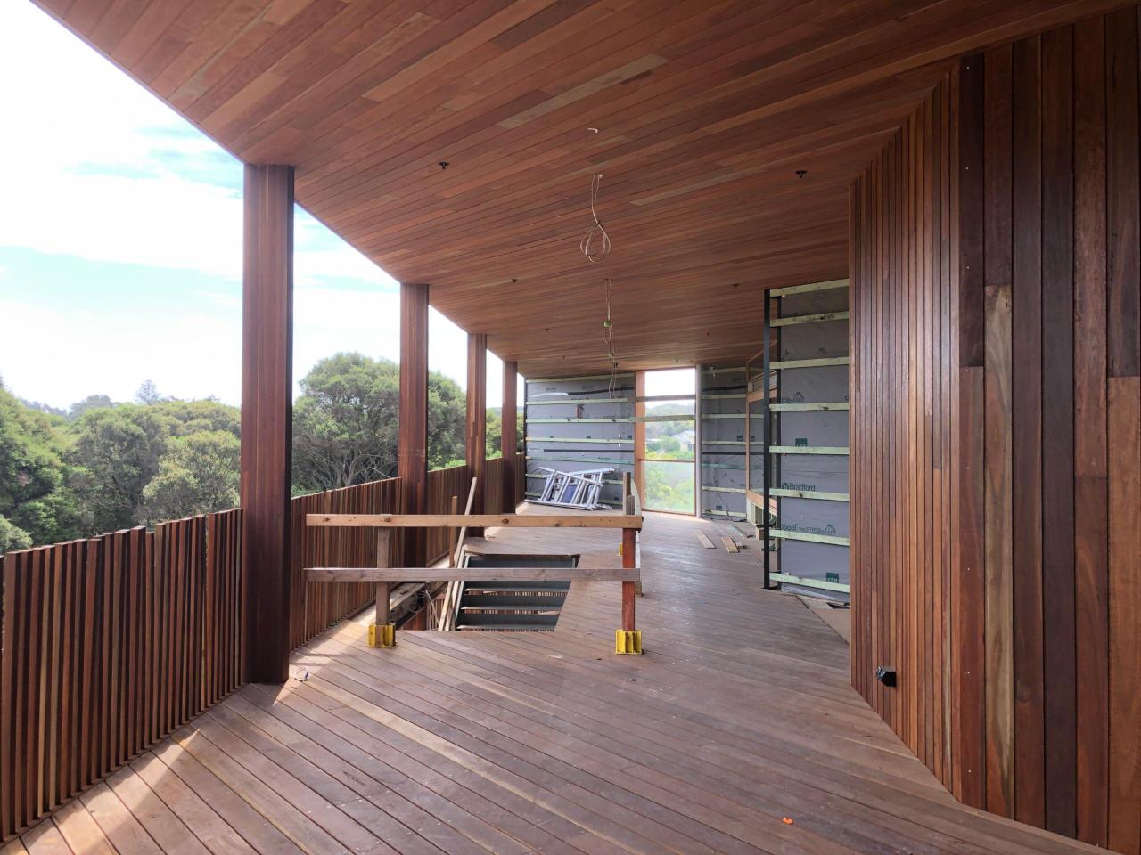 PLSLSC balcony